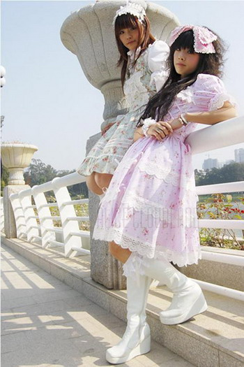 home lolitas http://www.japanforum.com/gallery/showphoto.php?photo=6337