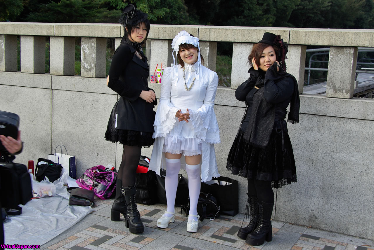 Harajuku-Girls-Fashion-02-10-2009-013