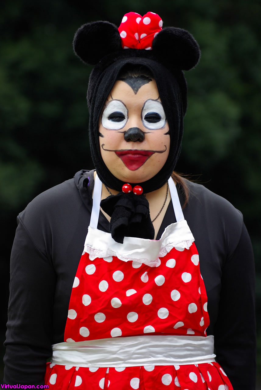 japanese minnie mouse cosplay