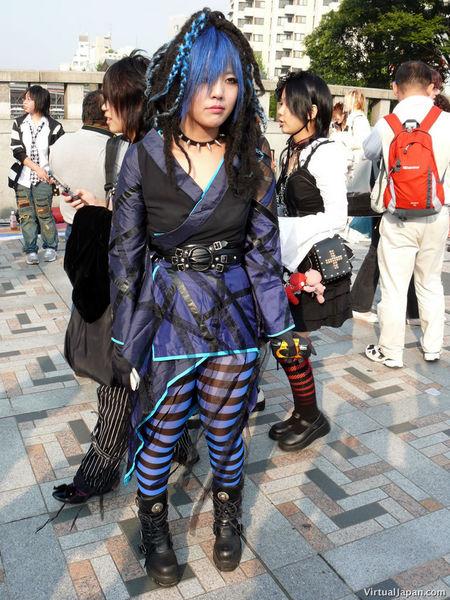 http://www.japanforum.com/gallery/data/2/medium/harajuku-122806-09.jpg