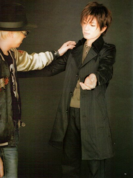 Gackt_with_guy