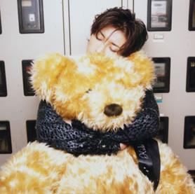 Gackt_with_teddy