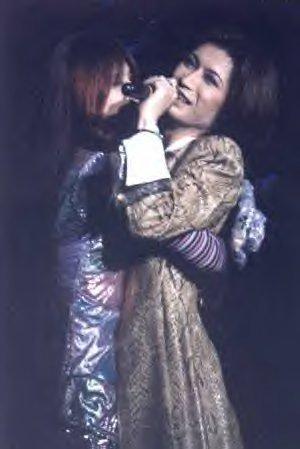 Kami hugs Gackt