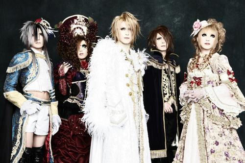 Versaillesph_Ascendead_Master_pic
