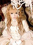 Versailles_Hizaki_Grace.jpg