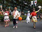 tokyo-halloween-parade-2006-053.jpg