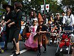 tokyo-halloween-parade-2006-112.jpg